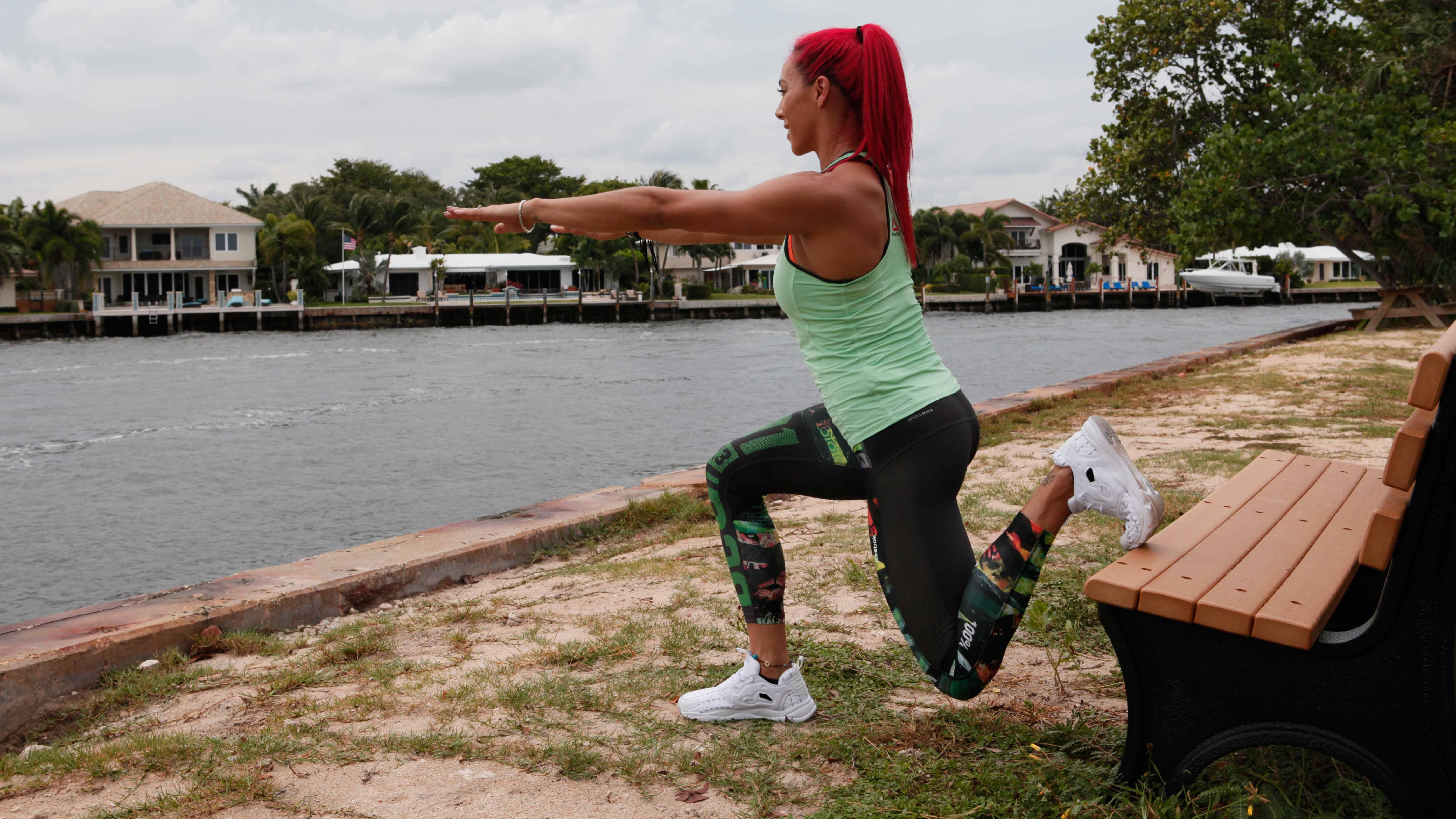 hannah-road-split-squat