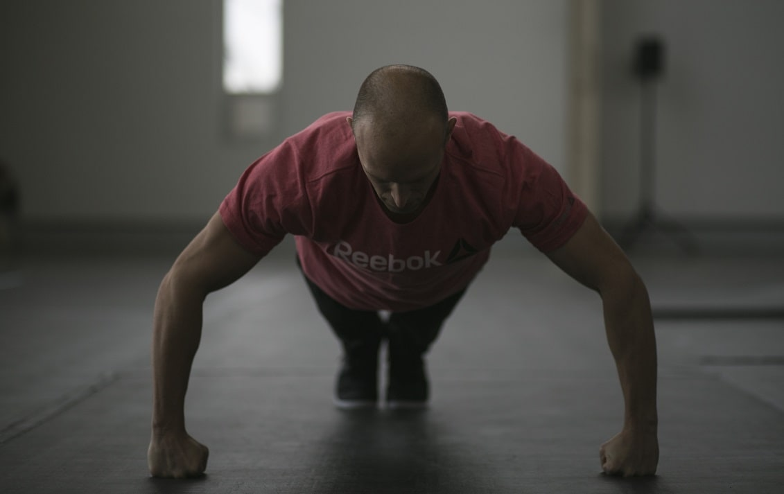 ron-cooper-knuckle-pushups-gwr